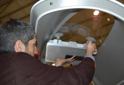 Beam-Switching Antenna Compensates for Aircraft Movement