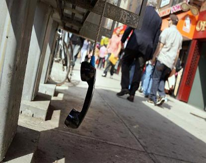 'Tech Tidbit' – Pay Phones to be Replaced by WiFi Hubs in New York
