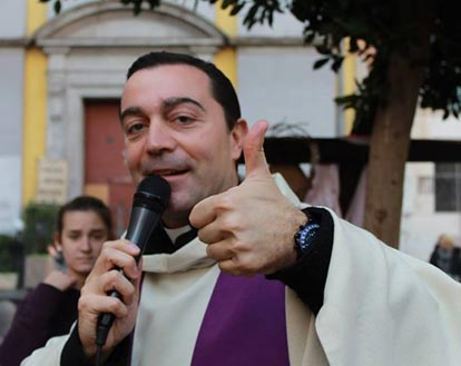 Priest Installs Cellphone Jammer in Church to Decrease Interruptions During Mass